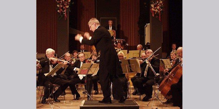 Heiterer Auftakt der Sinfonischen Konzerte mit dem Musikkollegium Traunstein am 24. Februar (© Musikschule / Stadt Traunstein)